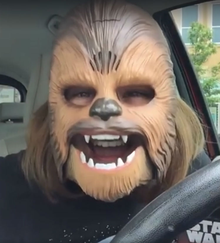 The Top 10 Viral Moments Of 2016: Vídeo Ao Vivo De Mulher Com Máscara De Chewbacca é O Mais