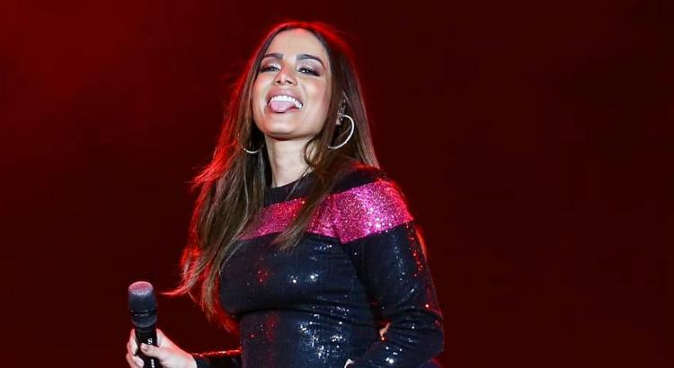 Anitta estaria flertando com James Rodríguez